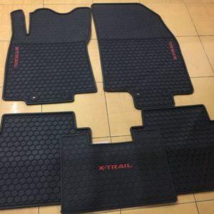 Lót sàn cao su Nissan Xtrail